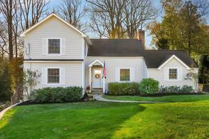 31 Windsor Road, Summit, NJ: $999,999