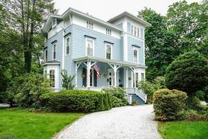 49 Hobart Ave, Summit NJ: $1,795,000