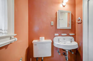 14 Hampton Rd Cranford NJ-large-023-7-Bathroom-1500x997-72dpi - Copy.jpg