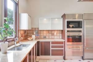12 - Gourmet Kitchen (3 of 3).jpg