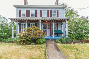 Farmhouse Style Colonial — 185 Westfield Rd, Fanwood