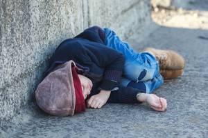 Carousel_image_6b4e6a712578d19b668f_homelessnbopiates