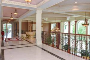 Custom Marble Patterned Floor