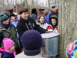 Carousel_image_6dda36885bfa31f870e0_maple_sugaring_courtesy_of_morris_county_park_commission