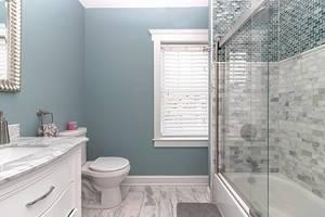 19 main bath.jpg