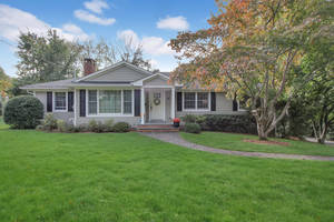 28 Harvey Drive, Summit, NJ: $849,000