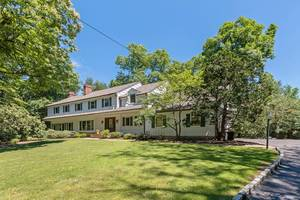 18 Timber Acres Road, Short Hills NJ:  $1,150,000