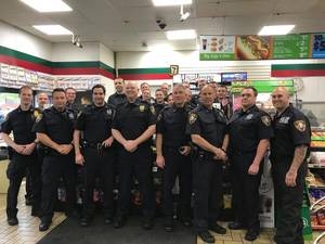 Carousel_image_717fbab6483c173c8158_yorktown_pd_officers-coffee_with_a_cop_at_7-eleven-interior