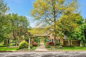 49 Woodmere Drive, Summit, NJ: $1,995,000