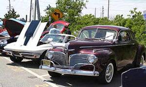 Carousel image 76697c6f5ad0a39e662c vintage car