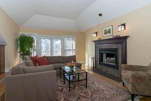 Fabulous Town home New Providence