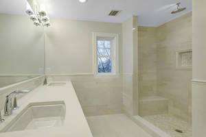 60 Master Bath.jpg