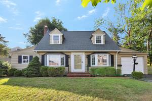 17 Haddonfield Road, Short Hills, NJ:  $868,000