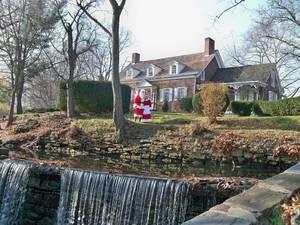 Santa and Mrs. Claus at the Kingsland Manor