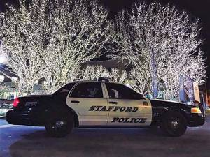 Carousel_image_79f0a50084fe0284d420_stafford_police_cruiser_christmas