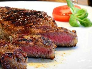 Carousel_image_7aad2a77f8ddd3aa912f_steak-2272464__480