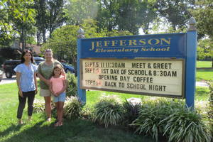 Carousel_image_7c509ec4e9556b56b476_455abd6a5bfe3ef3f26e_jefferson_school_welcome_sign