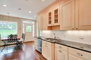 16 - Kitchen (3 of 3).jpg