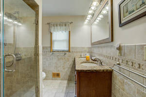 621 Lincoln Park E Cranford NJ-large-032-027-Bathroom-1499x1000-72dpi.jpg