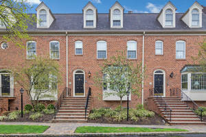 50 New England Avenue, Unit 1H, Summit, NJ: $899,000