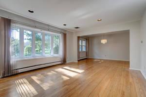 76 White Pl Clark NJ 07066 USA-large-011-007-Living Room-1500x997-72dpi.jpg