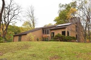 99 Country Acres Drive, Union Twp., NJ 08827
