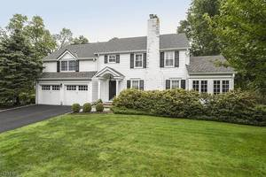 42 Pine Grove Ave, Summit NJ: $1,295,000