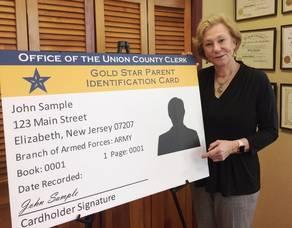 Carousel image 83d51a56e2b511cf74ab gold star parents card