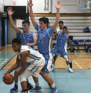 Carousel_image_83d55855434757c4c1e8_ad3b559229dd14d1d1c1_jordan_thompson_looks_to_make_a_move_to_the_basket_for_parsippany_hills