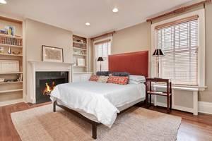20 - Bedroom.jpg