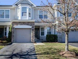 $259,900 240 Hawthorne Lane Barnegat, NJ 08005