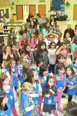 Carousel_image_87a4eeb12daa0a37cc09_girl_scouts_birthday2
