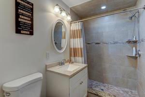 32 Commonwealth Road-large-033-044-Bathroom-1500x1000-72dpi.jpg