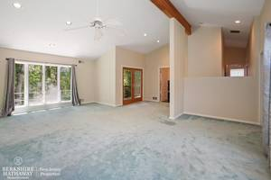 09_19HunterdonBlvd_14_MasterBedroom_HiRes.jpg