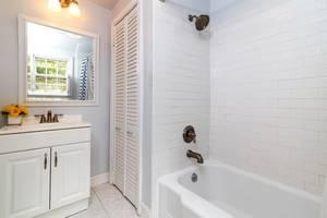 021-278181-edited bathroom_6595748.jpg