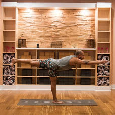 Carousel_image_8a5b0af807c8ed592604_good_vibes_yoga_pose