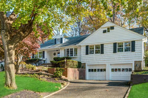64 Druid Hill Road, Summit, NJ:$959000