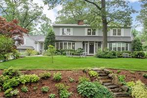 15 Manor Hill Road, Summit, NJ: $1,749,000