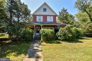 $299,900 155 Beach Avenue Manahawkin, NJ 08050