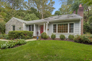 186 Blackburn Road, Summit,NJ: $1,279,000
