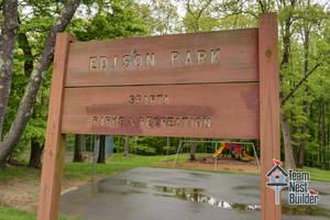 030_Edison Park Sign.jpg