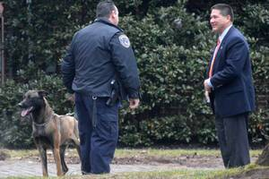 Carousel_image_92abd82f959038cea28f_61a9323b4c3aa3969ff7_chief_conley_ted_conley_speaks_with_anthony_gialanella_of_union_co._k-9_squad._no_bomb_found.