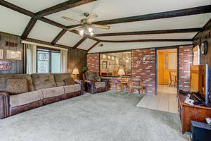 621 Lincoln Park E Cranford NJ-large-021-021-Family Room-1499x1000-72dpi.jpg