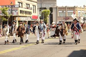 Carousel_image_94ef07be619c0dabe009_930840387bd7f84cd305_memorial_day_parade__2017