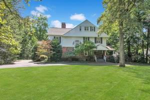 62 Western Drive, Short Hills, NJ:  $1,988,000