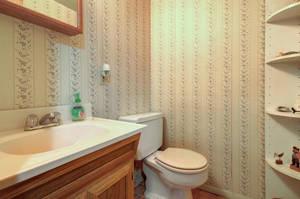 5 Schmidt Ln Clark NJ 07066-large-031-023-Bathroom-1500x997-72dpi - Copy.jpg
