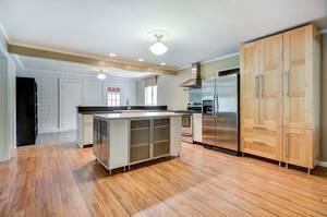 016_Kitchen .jpg