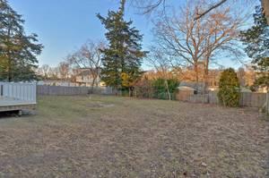 027_Backyard.jpg