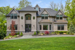365 Long Hill Drive, Short Hills, NJ: $2,875,000