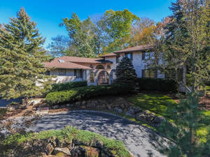 7 Lenape Road, Short Hills, NJ:  $1,799,000